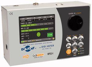 Misuratore di campo combinato DVB-T/C/S2, Alimentazione 12V.Spettro veloce con MAX HOLD: spettro completo, span variabile e livello di riferimento automatico.